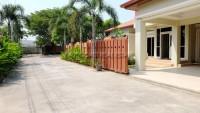 Baronial Villa 93213