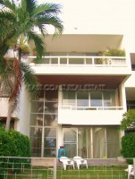 Beach Townhouse Houses For Sale in  Pratumnak Hill