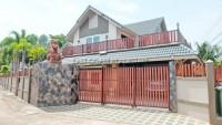 Central Park 4/2 houses For Sale in  East Pattaya