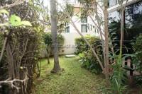 Classic Garden Home 90627
