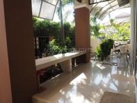 Classic Garden Home  91013