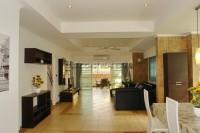 Country Club Villa 690428