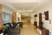 Country Club Villa 690430