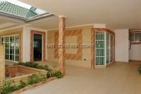 Country Club Villa 690439