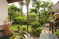 Dhewee Resort 696820