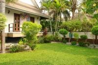Dhewee Resort 696822