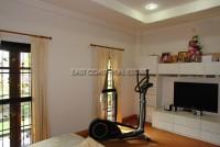 Dhewee Resort 696829