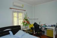 Dhewee Resort 696834