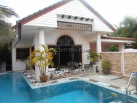Dusit Pattaya Village Houses For Sale in  South Jomtien