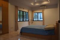 Eakmongkol Village 863637