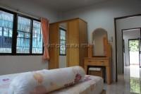Eakmongkol Village 863648