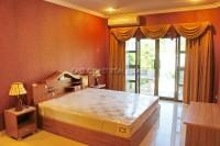Eakmongkol Village 8 81057