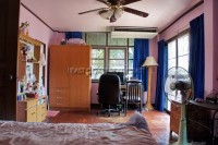 Eiengfar Villa 784213