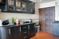 Executive Residence 2 882431
