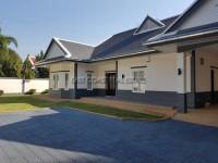 Foxlea Villa 888933