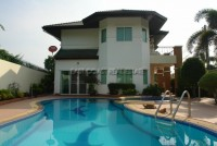 Green Field Villa houses For Rent in  East Pattaya