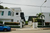 JJ Villa houses For Sale in  Pratumnak Hill