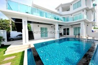Jomtien Garden Villa houses For Sale in  Jomtien