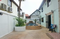 Jomtien Palace houses For Rent in  Jomtien