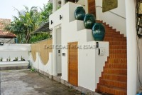Jomtien Palace Village houses For Sale in  Jomtien