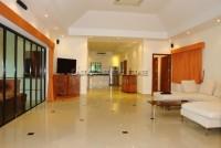 Jomtien Park Villa  583714