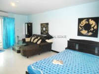 Jomtien Plaza condos For Rent in  Jomtien