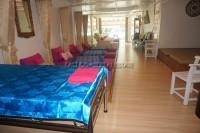 Khun Sri Massage  812511