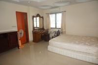 Khun Sri Massage  812513