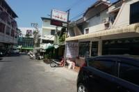 Khun Sri Massage  81252