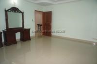 Khun Sri Massage  812522