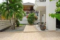 La Bella Casa 686643