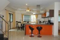 La Bella Casa 686665