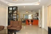 La Bella Casa 686672