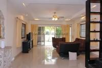 La Bella Casa 686673