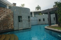 Luxurious Mansion with private pool 221422