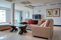 Luxury Apartment 84593