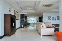 Luxury Apartment 84596