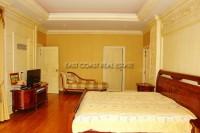 Majestic Residence 825738