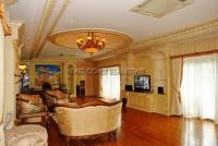 Majestic Residence 825760