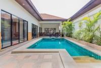 Majestic Residence 967813
