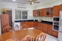 Majestic Residence 976710