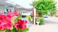 Maneeya Home  108061