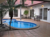 Nirvana Pool  houses For Rent in  East Pattaya