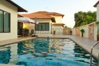 Paradise Villa 709814