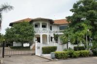 Paradise Villa 74842