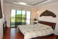 Pattaya Hill 526335