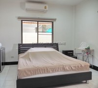 Pattaya Hill 1 1028713