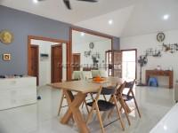 Pattaya Hill 1 102875