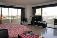 Pattaya Klang Center Point 64433