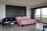 Pattaya Klang Center Point 64438